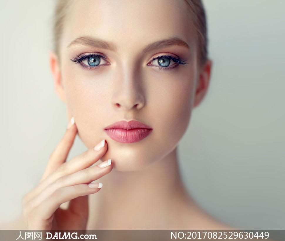 明亮高清红唇美女头像v高清图片人物高傲美女双眸图片