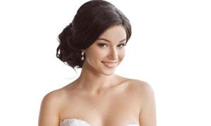 洋溢着幸福笑容的新娘人物高清图片