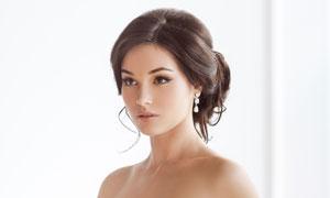 拿粉红捧花的新娘人物摄影高清图片