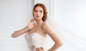 叉腰姿势新娘人物婚纱摄影高清图片