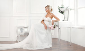 房间内的洁白婚纱新娘摄影高清图片