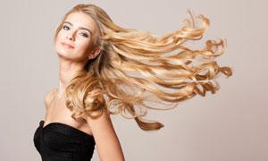 头发吹起来的美女人物摄影高清图片