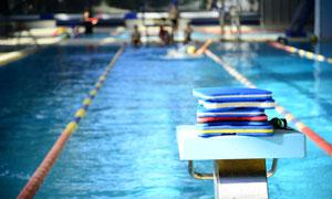 泳池用比赛起跳台特写摄影高清图片