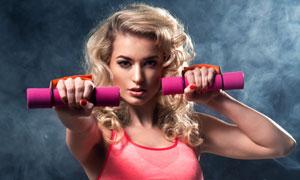 微微出汗状态健身美女摄影高清图片