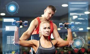 曲臂哑铃上举动作健身美女高清图片