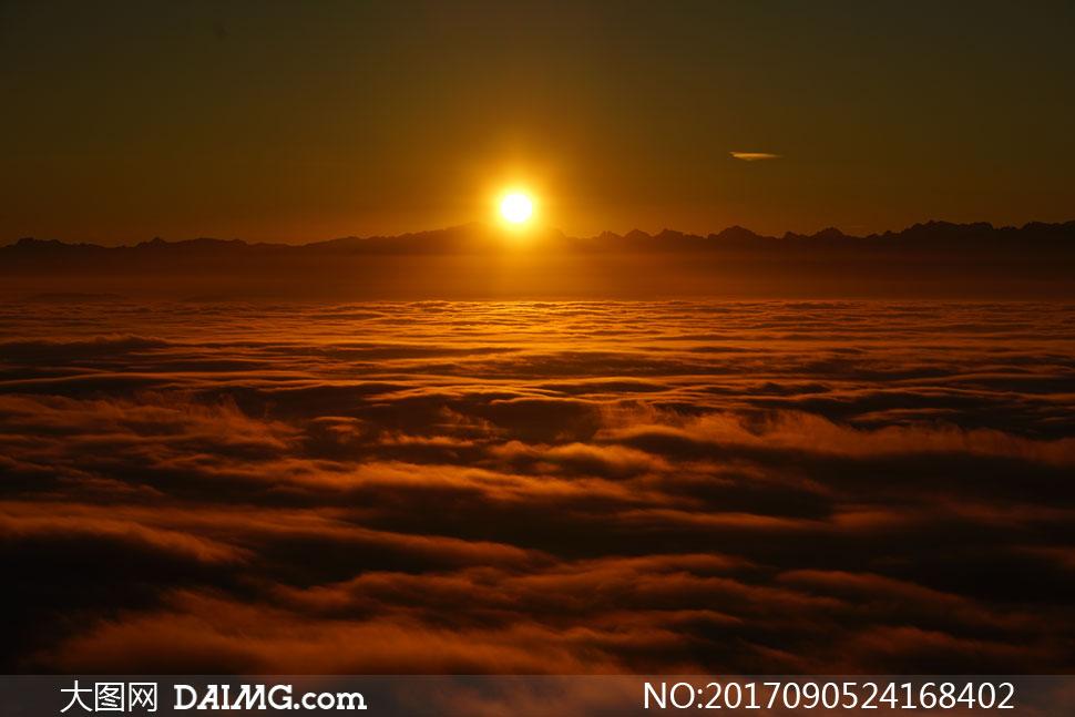 关 键 词: 高清图片大图素材摄影自然风景风光阳光太阳落日夕阳远山