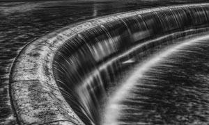 气势壮观磅礴瀑布黑白摄影高清图片