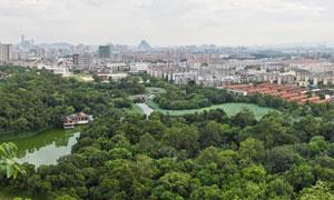 雀儿山城市全景摄影图片
