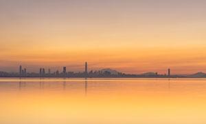 深圳湾美丽日出摄影图片
