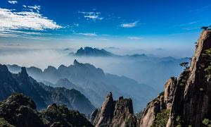 连绵的山峰和美丽云海摄影图片