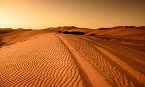 荒芜人烟的沙漠景观摄影图片