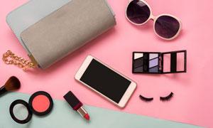 化妆盒口红与手机墨镜摄影高清图片