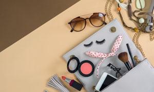 口红墨镜与发箍化妆刷摄影高清图片
