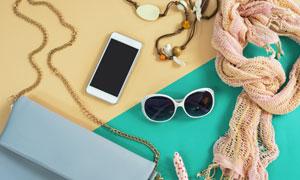 围巾手机与墨镜包包等摄影高清图片