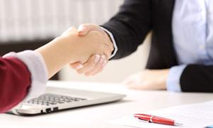 商务合作主题握手情景摄影高清图片