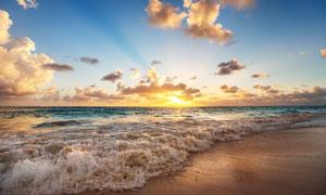 蓝天云彩夕阳海面风光摄影高清图片