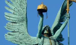布达佩斯英雄广场雕像摄影高清图片