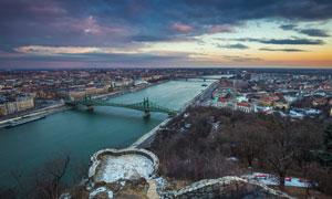 布达佩斯自由桥等景观摄影高清图片