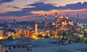 灯火通明的蓝色清真寺摄影高清图片