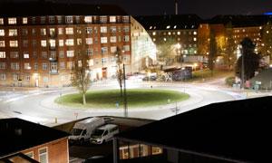 灯火通明城市环岛夜景摄影高清图片