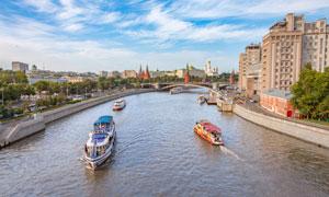 蓝天白云莫斯科河风光摄影高清图片