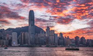 香港城市建筑与火烧云景观高清图片