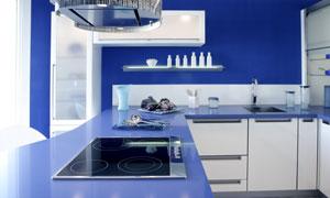 蓝色配色厨房内部实景摄影高清图片