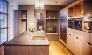 豪华配置厨房内景陈设摄影高清图片