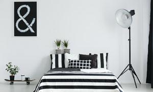 卧室黑白格调布置陈设摄影高清图片