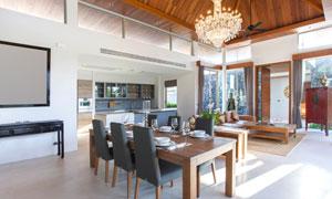 客厅餐厅与开放式厨房内景高清图片