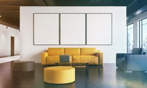 房间沙发与墙上空白装饰画高清图片