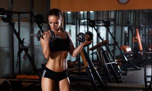 健身房内瘦身减脂美女摄影高清图片