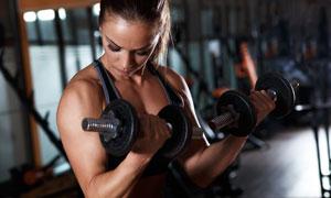 减肥肌肉训练美女特写摄影高清图片