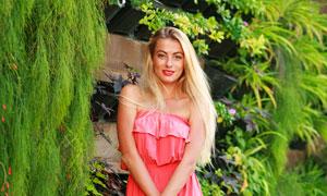 花卉植物与披肩发美女摄影高清图片