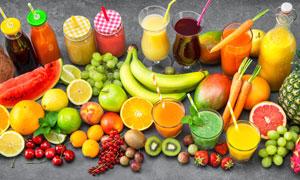 果汁与香蕉西瓜芒果等水果高清图片