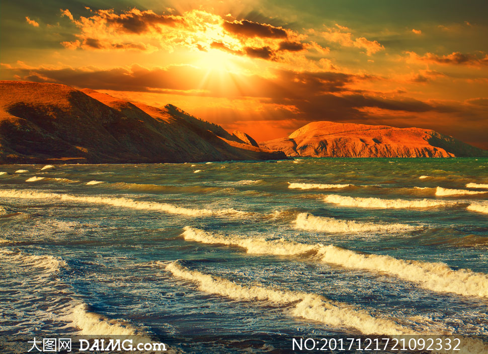 键 词: 高清图片大图素材摄影自然风景风光阳光光线耀眼逆光天空云彩