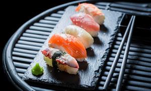 几枚美味精致寿司特写摄影高清图片