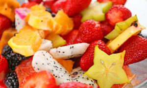 果盘里的多种水果特写摄影高清图片