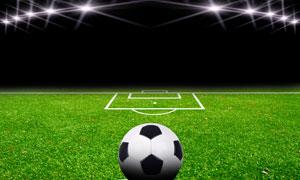 放在标线上的足球特写摄影高清图片