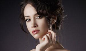 盘发造型香肩美女模特摄影高清图片