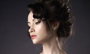 一字露肩装扮性感美女摄影高清图片