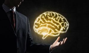 在手心上方的光效大脑创意高清图片