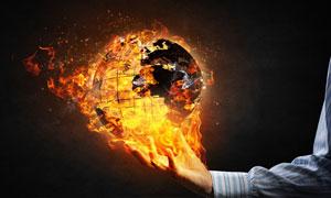 熊熊燃烧的地球仪创意设计高清图片