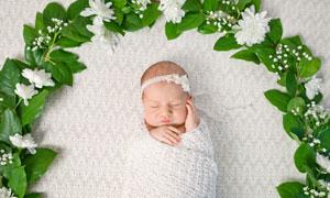 包裹严实的小宝宝写真摄影高清图片