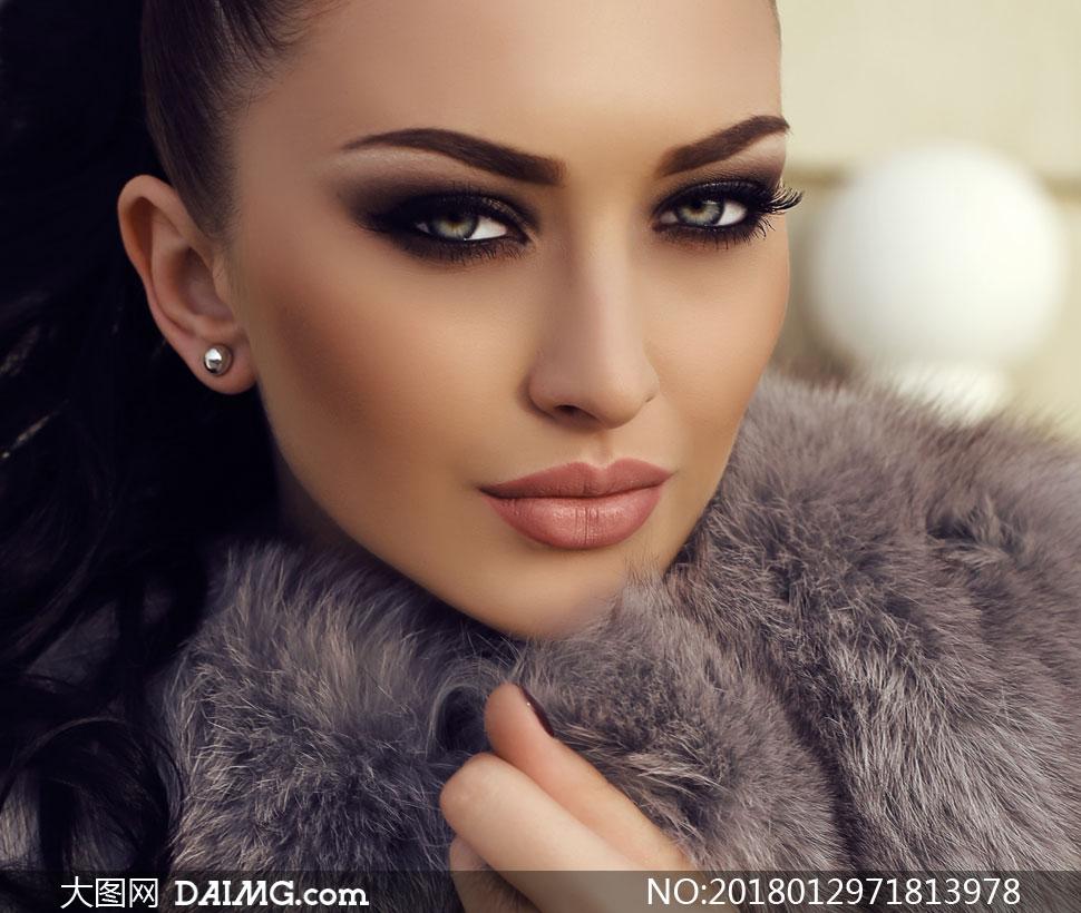 关 键 词: 高清图片大图素材摄影人物写真美女女人女性模特唇妆浓妆妆