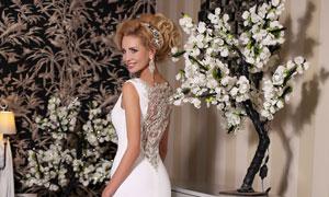 盘发造型婚纱美女人物摄影高清图片