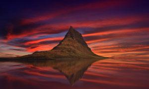 山丘景观与瑰丽的云彩摄影高清图片