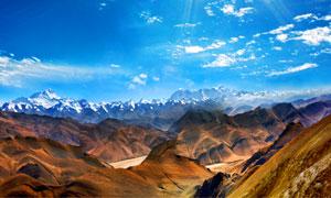 西藏美丽雪山全景摄影图片