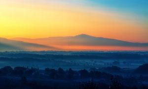黄昏下的田园风光美景摄影图片