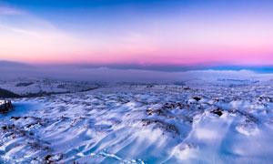 黄昏下的雪后美景摄影图片